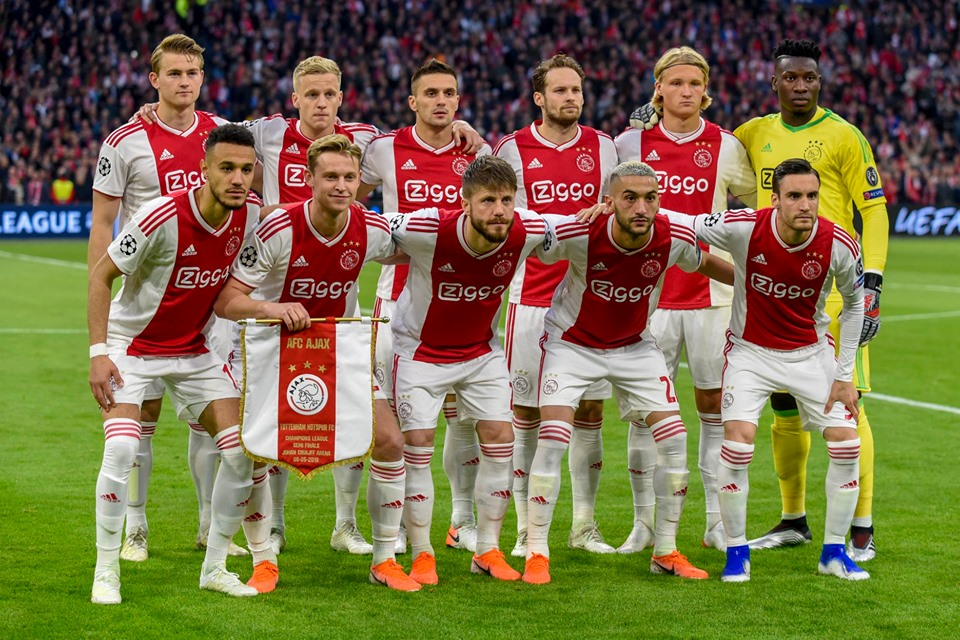L'Ajax  tornata in semifinale di Champions (foto pagina Facebook Ajax).